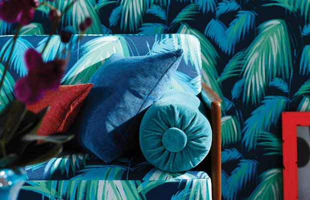 vorh nge und kissen. Black Bedroom Furniture Sets. Home Design Ideas